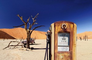 desert-abandoned-gas-station-pump_l
